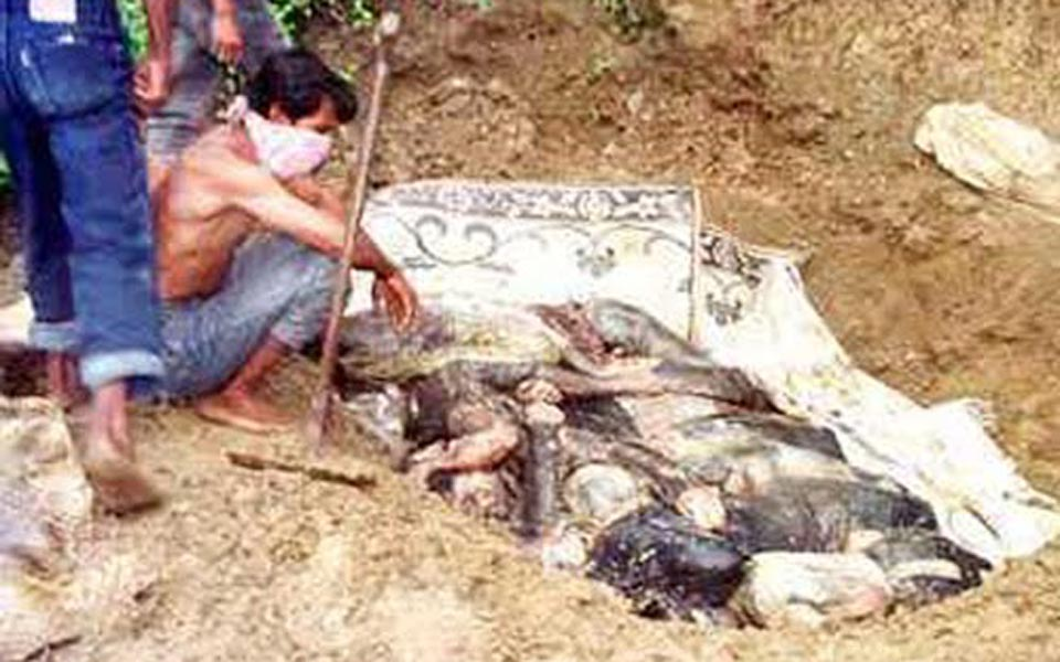 Mass grave in Aceh (Sekilas Info Aceh)