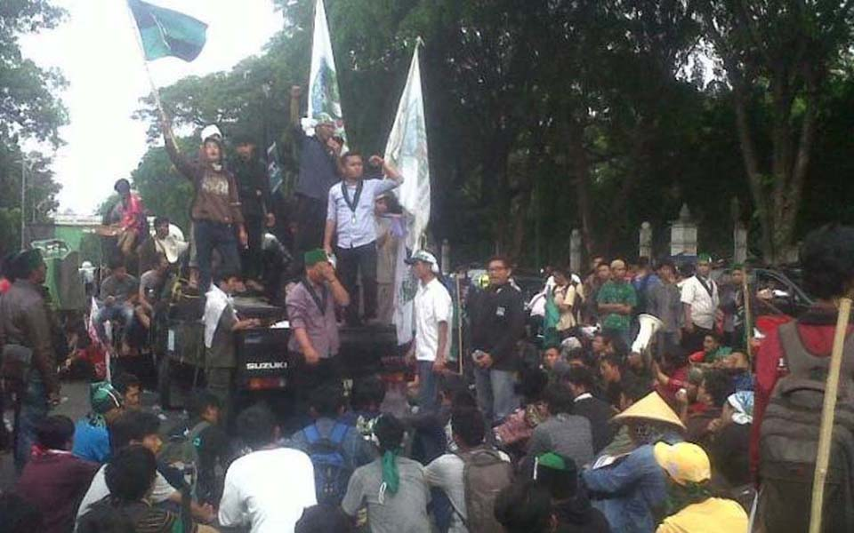 KAMMI protest action in Jakarta (Tribune)