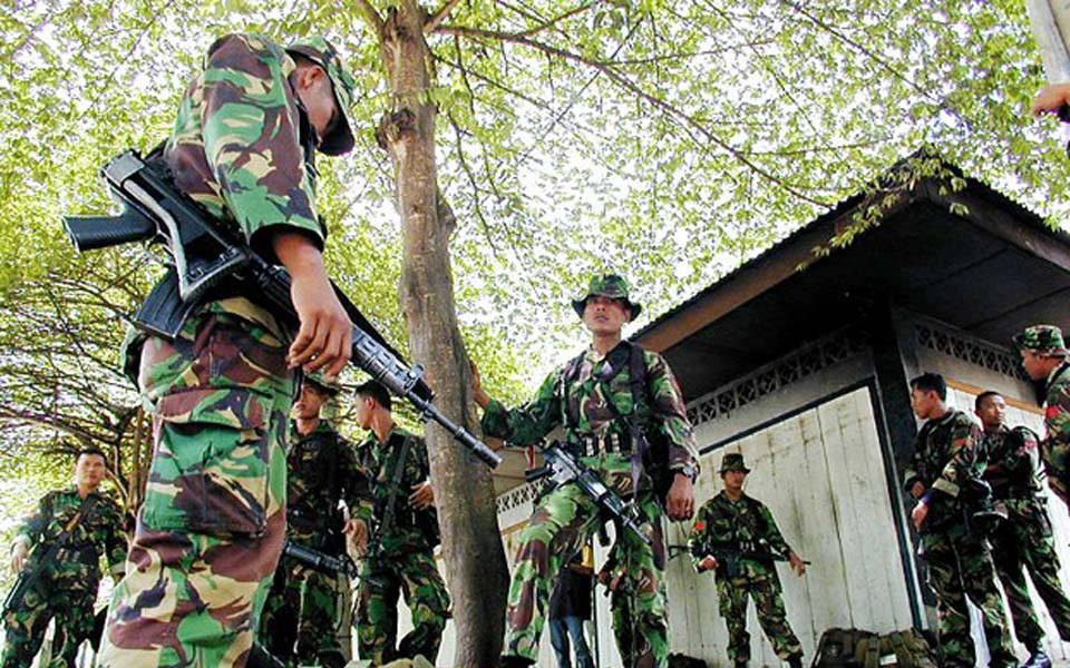 Indonesian soldiers on patrol in Aceh (Benar News)