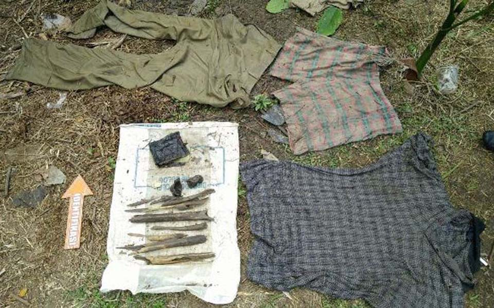Bones and clothing believed to belong to victims of Aceh conflict (Haba Daily)