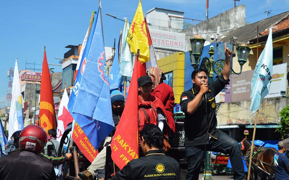 Labour protest in Yogyakarta (Balairung Press)