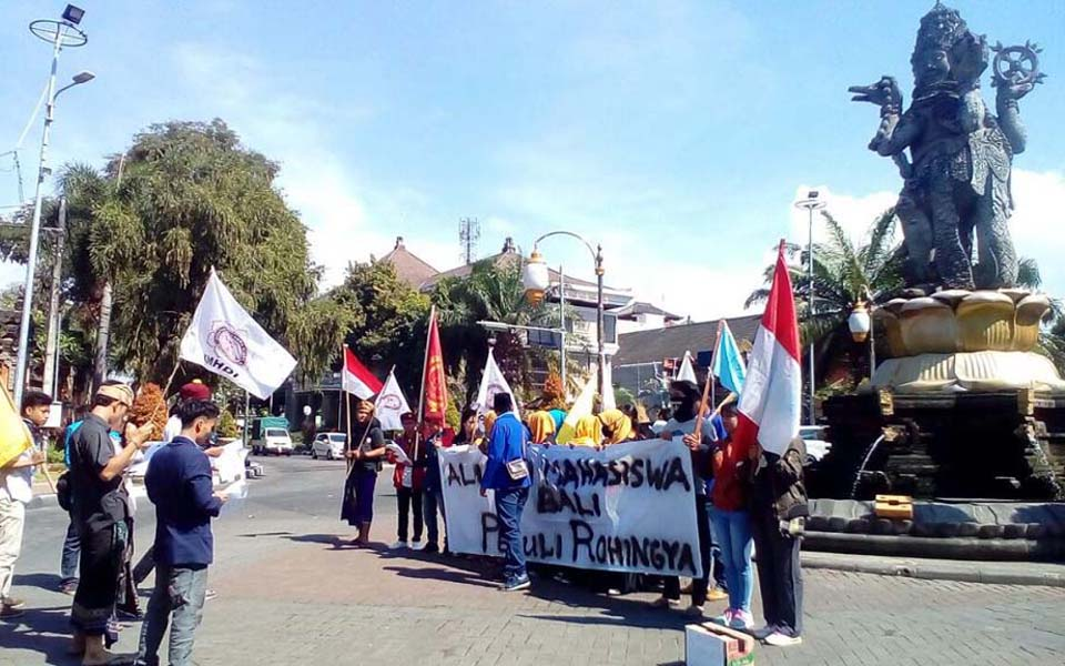 Protest in Bali against violence by the military junta in Myanmar (Suara Bali)