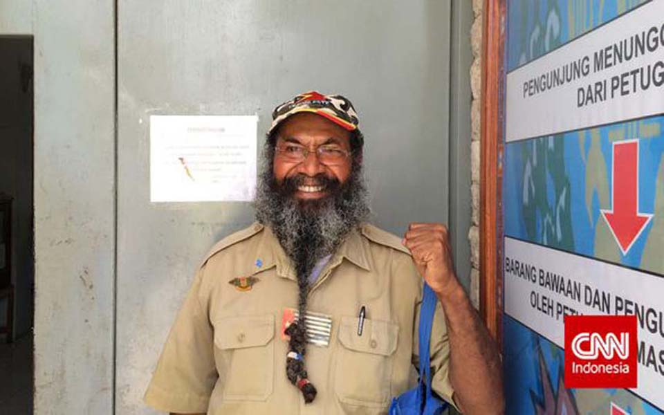 Papuan independence activist Filep Karma at Abepura prison (CNN)
