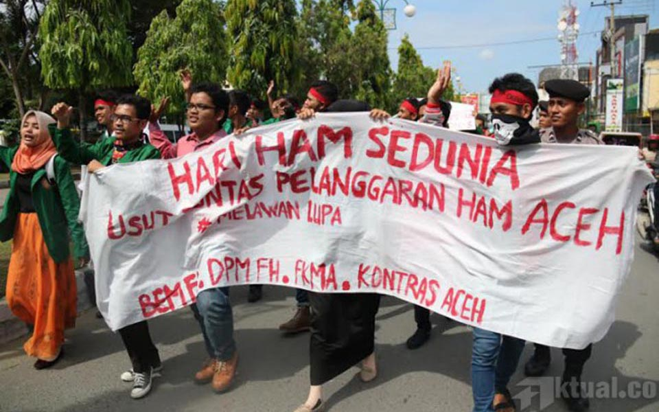 Students demand resolution to human rights violations in Aceh (Actual)