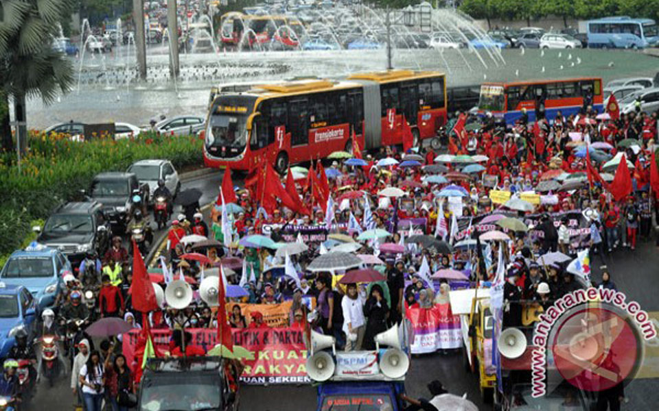 International Women's Day rally at Hotel Indonesia traffic circle in Jakarta - March 8, 2013 (Antara)