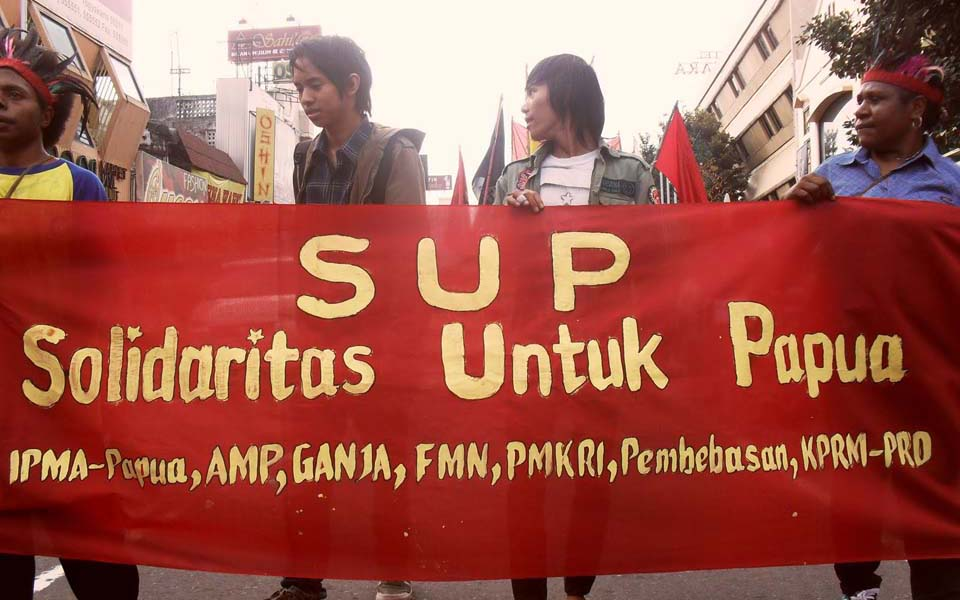 Solidarity for Papua (SUP) rally - July 21, 2010 (4.bp)