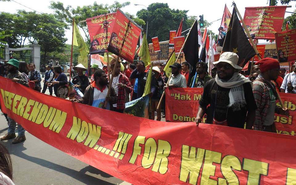 Gema Demokrasi protest demands referendum for West Papua - May 1, 2017 (Indrakusuma)