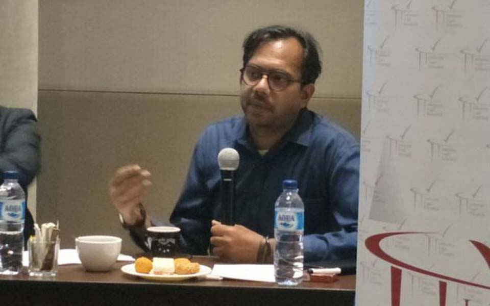 Haris Azhar speaking discussion in Jakarta – December 10, 2018 (Kompas)