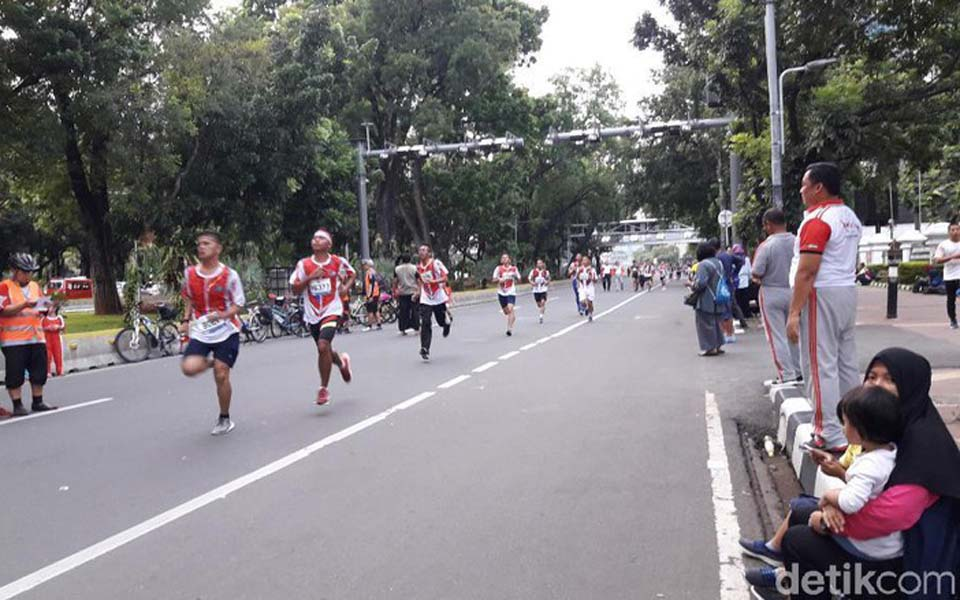 Runners in Jakarta take part in National Defense Run - December 16, 2018 (Detik)