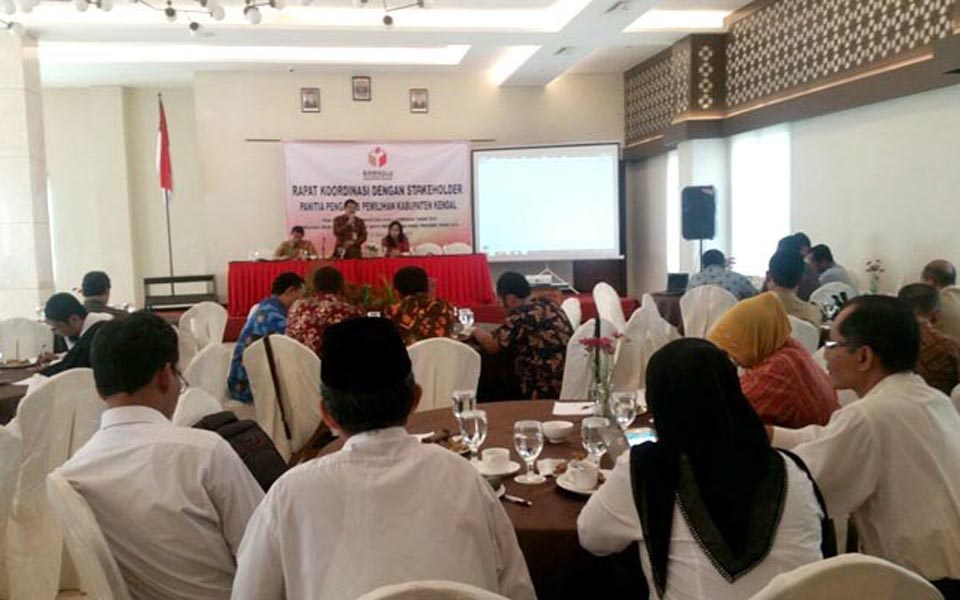 Briefing on civil servants remaining neutral in elections (Radar Pekalongan)