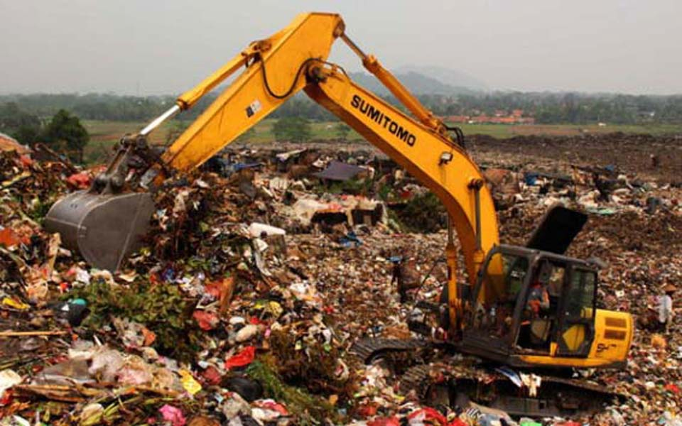 Bojong Integrated Rubbish Dump in Jakarta (Tempo)