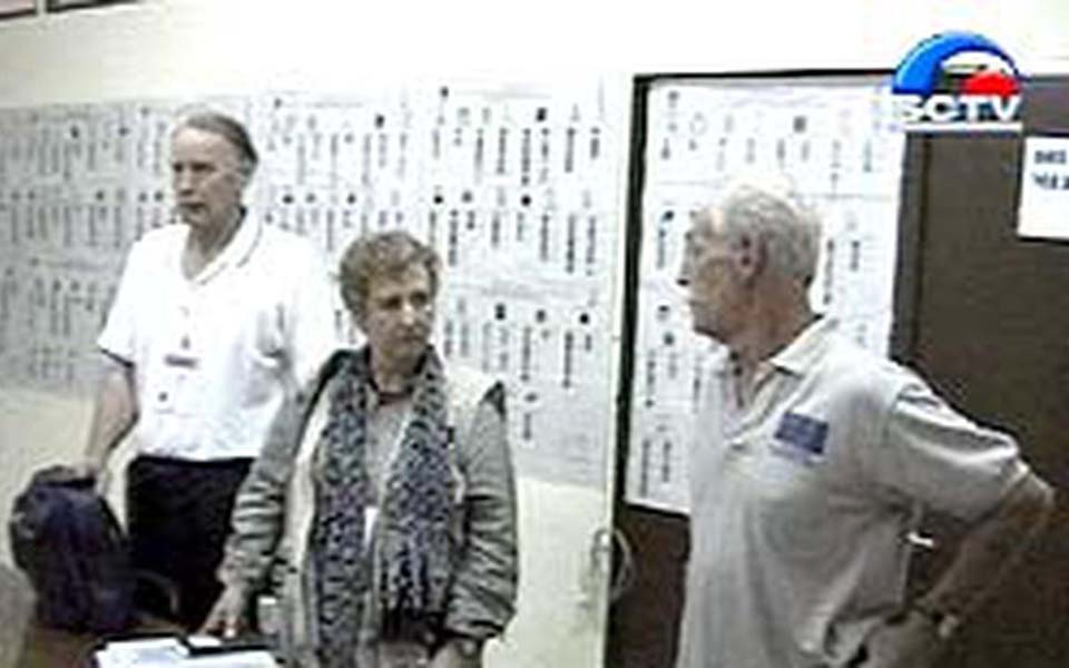 Foreign election observers in Aceh (Liputan 6)