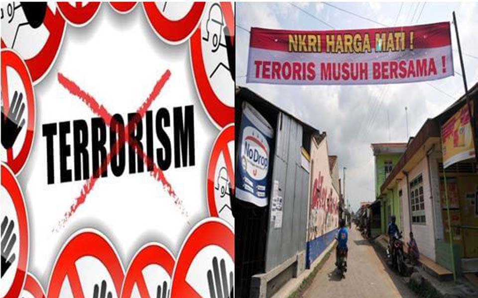 Anti-terrorism street banners and posters (Jurnal Intelijen)
