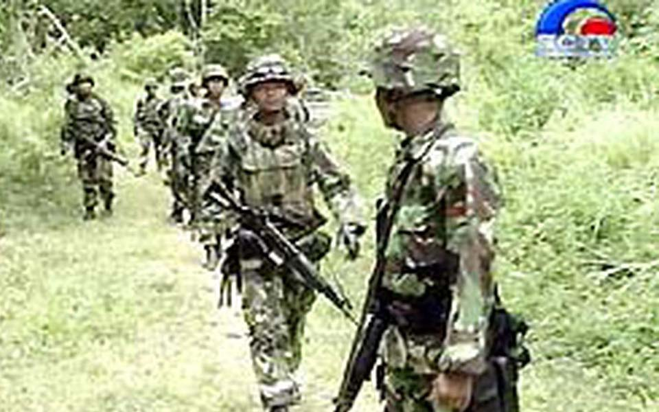 Indonesian soldiers on patrol in Aceh (Liputan 6)