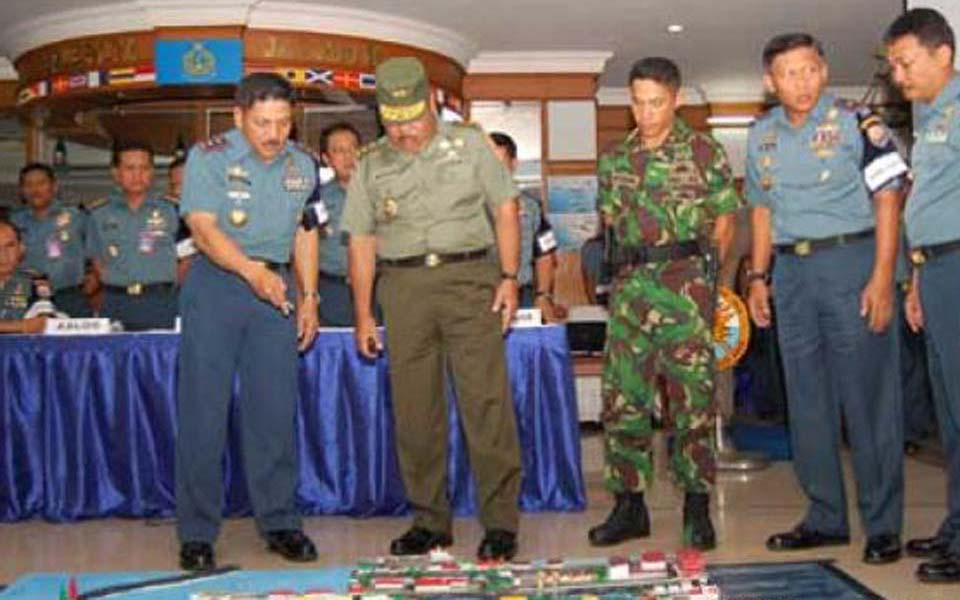 Major General Supiadin AS visiting military command headquarters (Pikiran Rakyat)