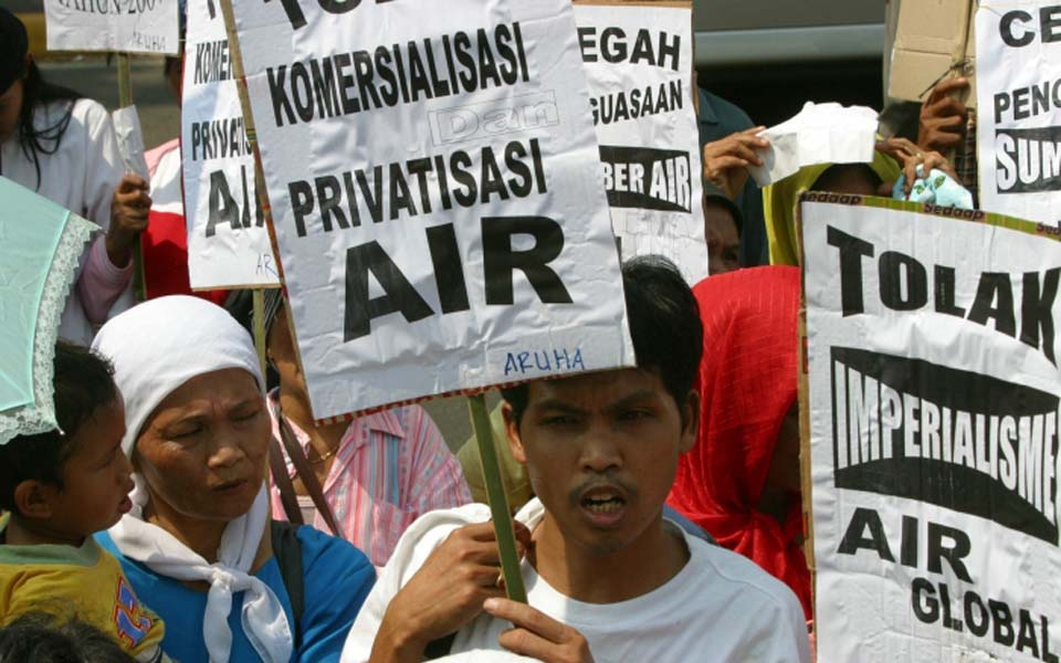 Protest against the privatization and commercialisation of water (Borneo News)