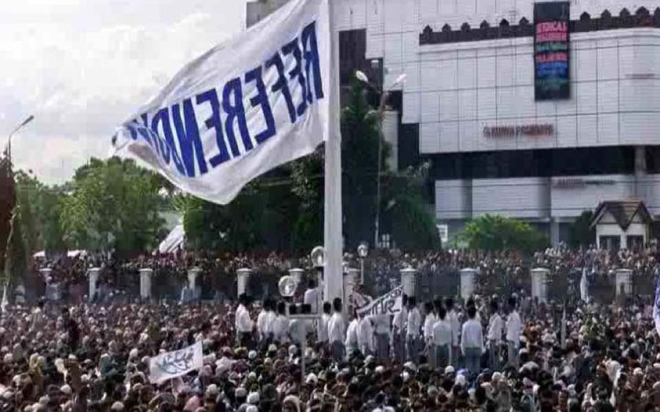 Thousands rally demanding referendum in Aceh (steemit)