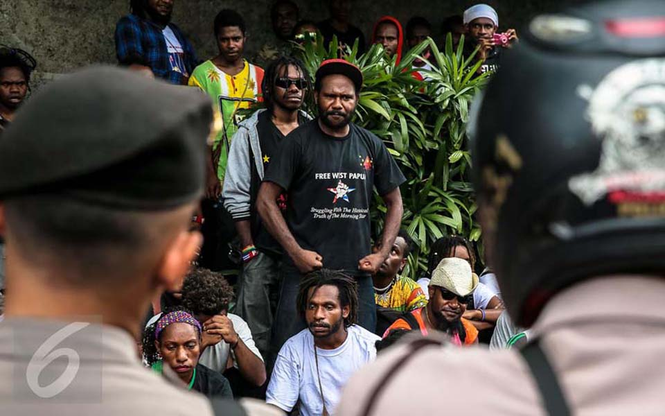 Papuan students protest at Hotel Indonesia traffic circle (Liputan 6)