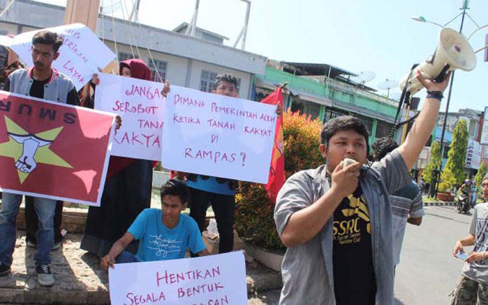 Student Solidarity for the People rally in Aceh (Tribune)