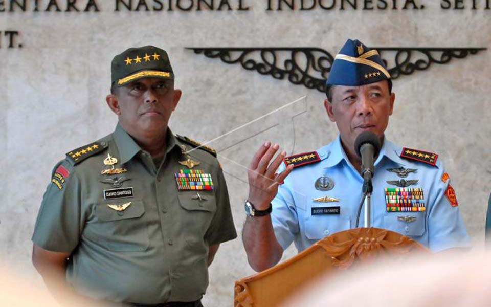 TNI commander in Chief Marshal Djoko Suyanto pictured right (Antara)