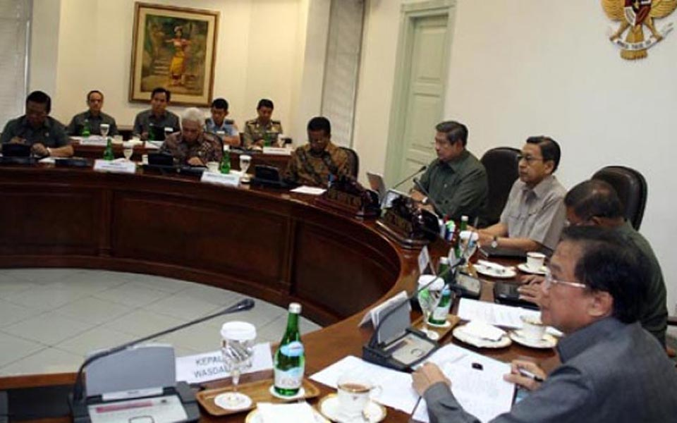 President Yudhoyono holds cabinet meeting at Presidential Palace (Tempo)