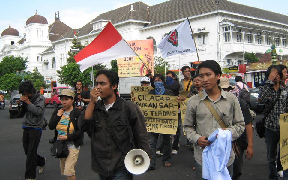 Students hold anti-war protest in Yogyakarta (himacita)
