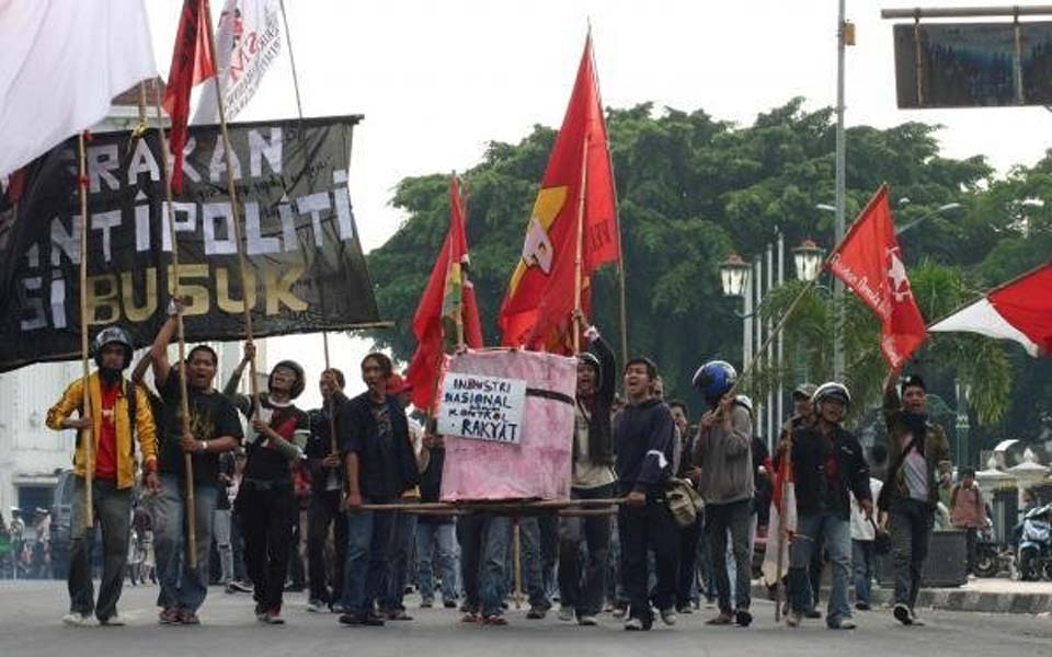 Protest against fuel price hike in Yogyakarta - June 1, 2008 (Mahendra)
