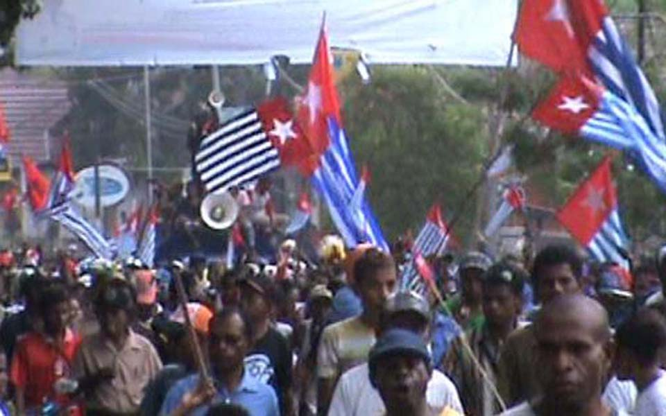 West Papuan protesters march in Manokwari (Suara Kriting Free)