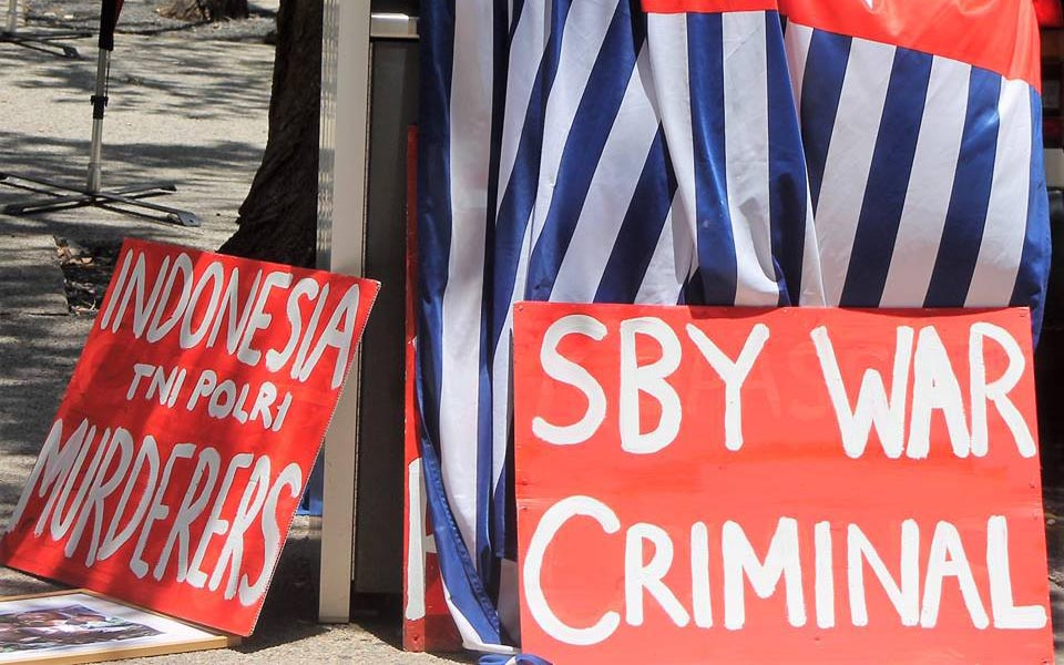 West Papuan protest against SBY (FWP)