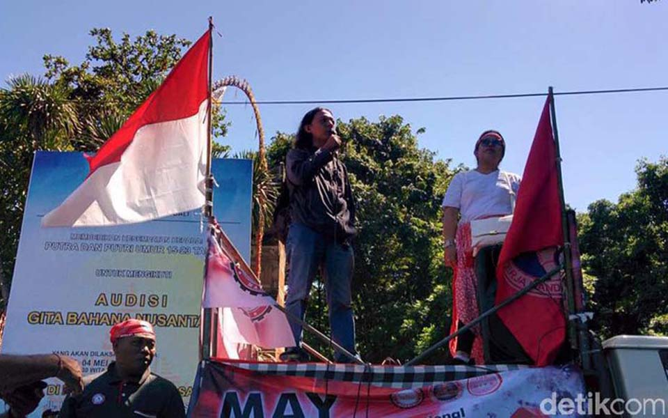 Workers commemorate May Day in Bali (Detik)