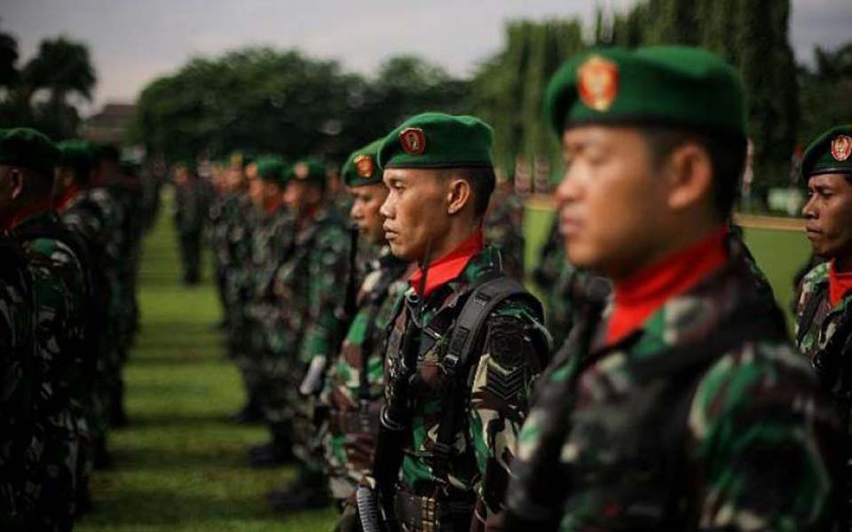 TNI soldiers on parade (Netral News)