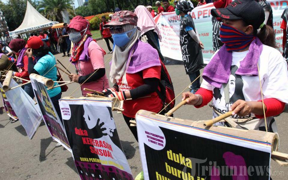 Women activists commemorate IWD in Jakarta (Tribune)