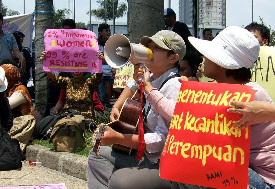 Occupy Jakarta demonstration at Jakarta Stock Exchange building (3.bb)