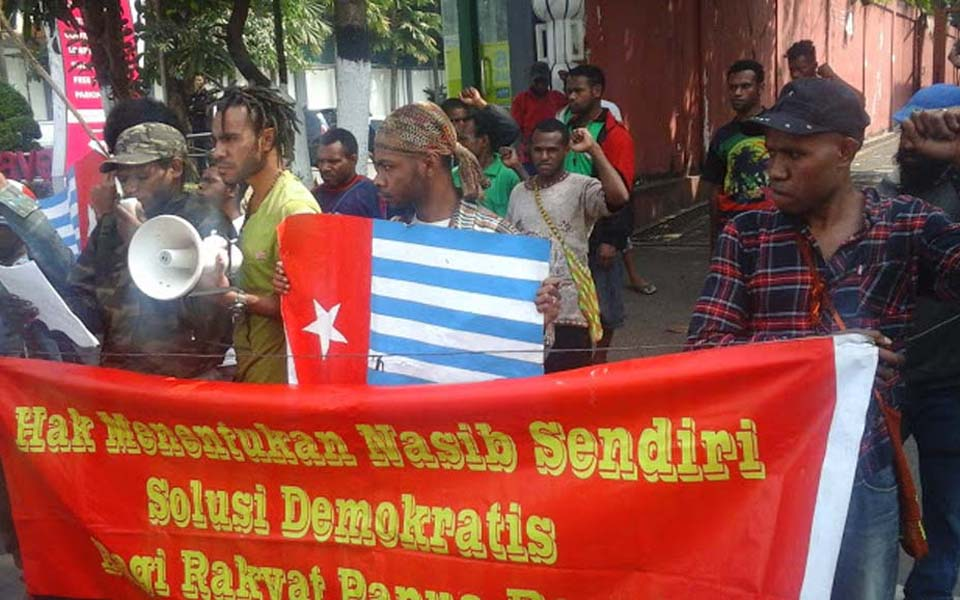 Papuan students protest in Yogyakarta calling for self-determination (AMP News)