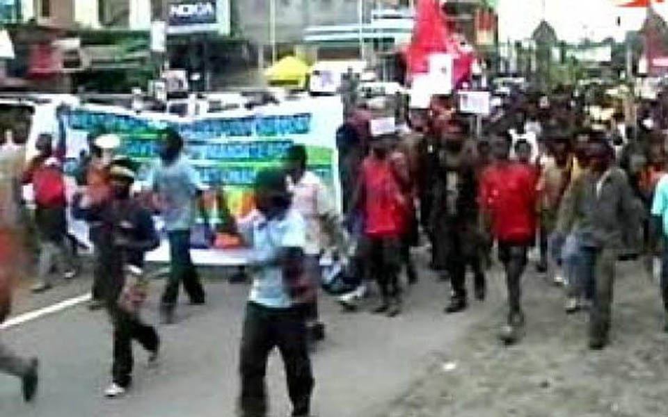Protesters in Manokwari reject 1969 Act of Free Choice - August 2, 2011 (Liputan 6)