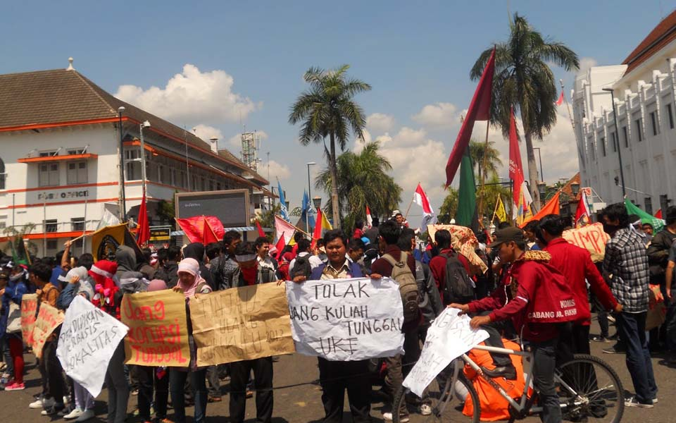 Student protest in front of central post office in Yogyakarta