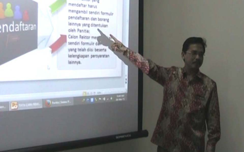 Airlangga University Lecturer in labour law Hadi Subhan (Berita Jatim)