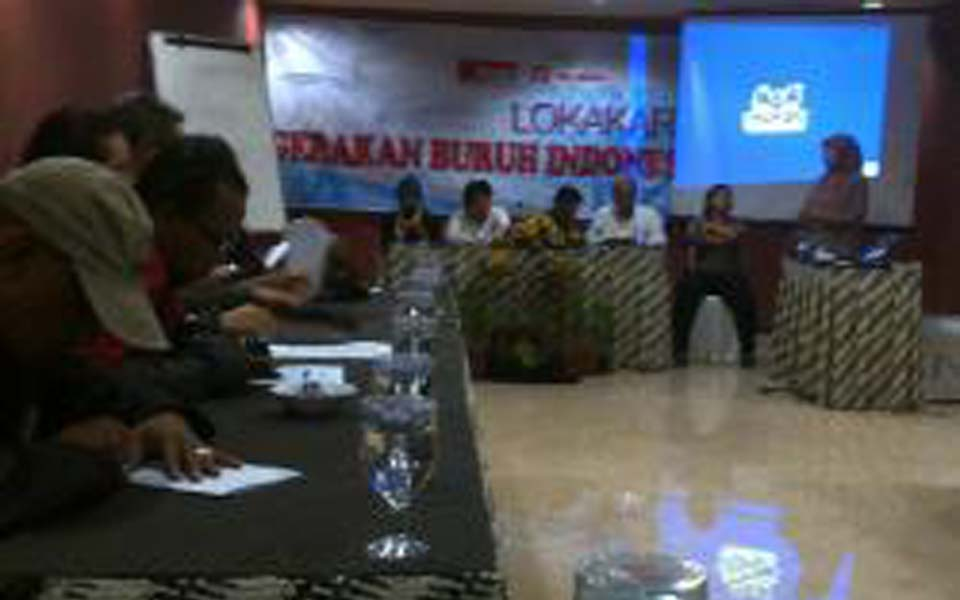 Labour seminar at Pandanaran in Semarang - October 18, 2013 (Tribune)