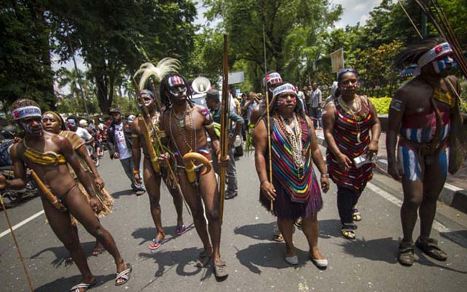 Papuan Student Alliance (AMP) commemorates West Papua's 51st anniversary in Yogyakarta - December 1, 2014 (Tempo)