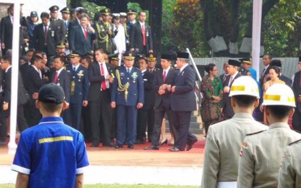 Widodo and Yudhoyono attend Sanctity of Pancasila Day commemoration in Jakarta - October 1, 2014 (Kompas)