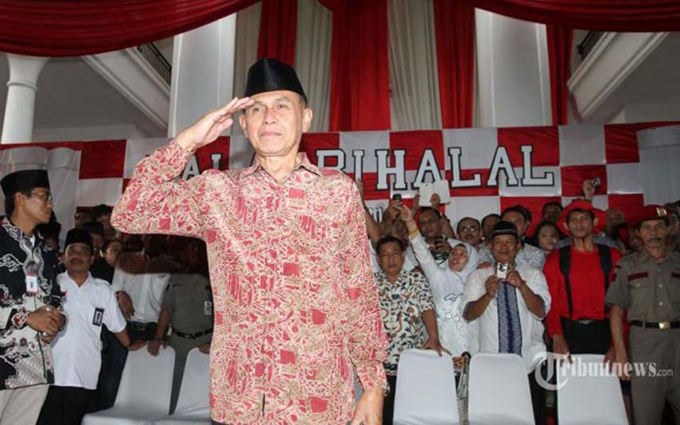 Kivlan Zen attends event held by Prabowo Subianto in Jakarta - August 3, 2014 (Tribune)