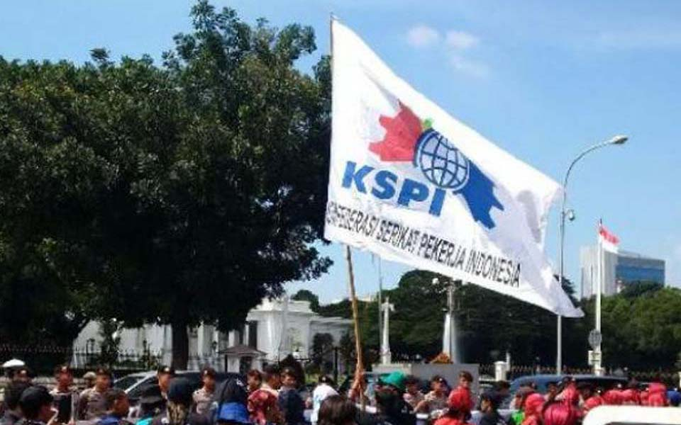 KSPI workers commemoate May Day with rally at State Palace - May 1, 2015 (Tribune)