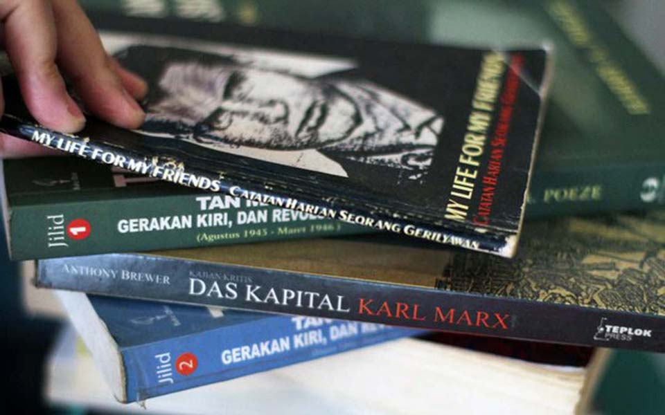Left-wing books on sale in Jakarta - May 19, 2016 (Bernama)