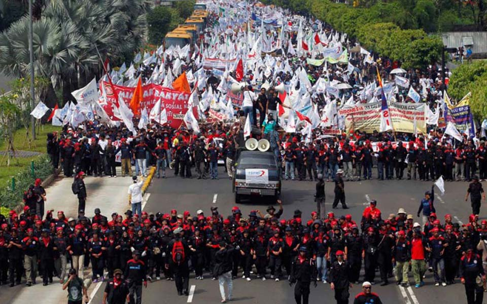 Workers join anti-Ahok demonstrations in Jakarta - November 4, 2016 (panjimas)