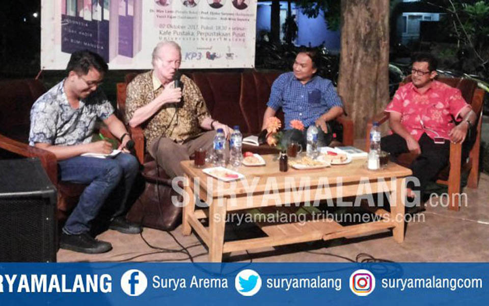 Ardi Wina Saputra, Max Lane, Yusri Fajar and Djoko Saryono - October 2, 2017 (Surya Malang)