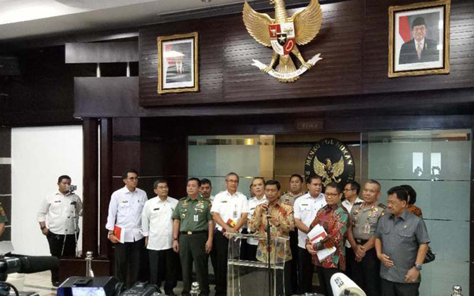 Wiranto announces new law on social organisations - July 12, 2017 (Detik)