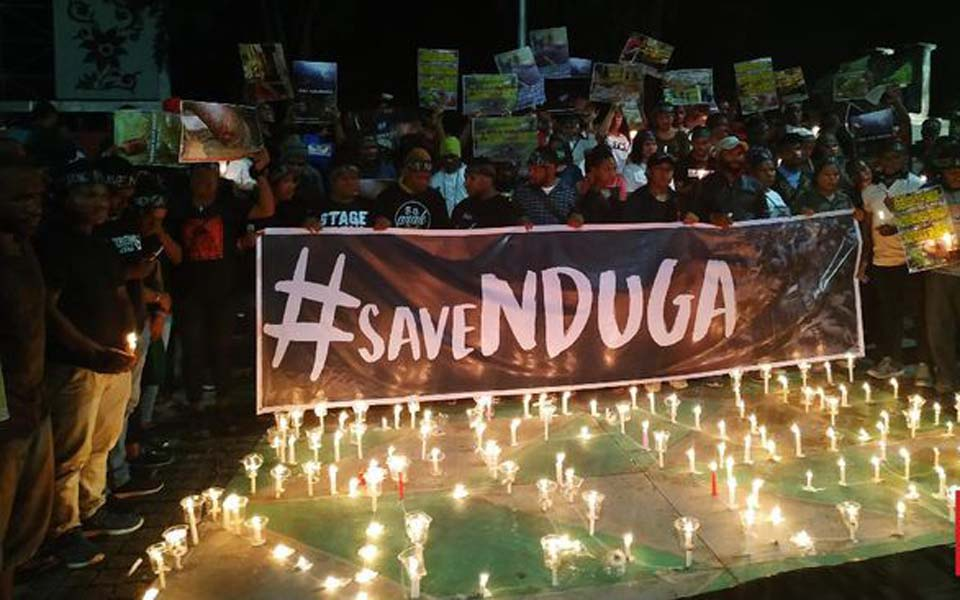 #SaveNduga candle lit vigil in front of State Palace – December 26, 2018 (CNN)