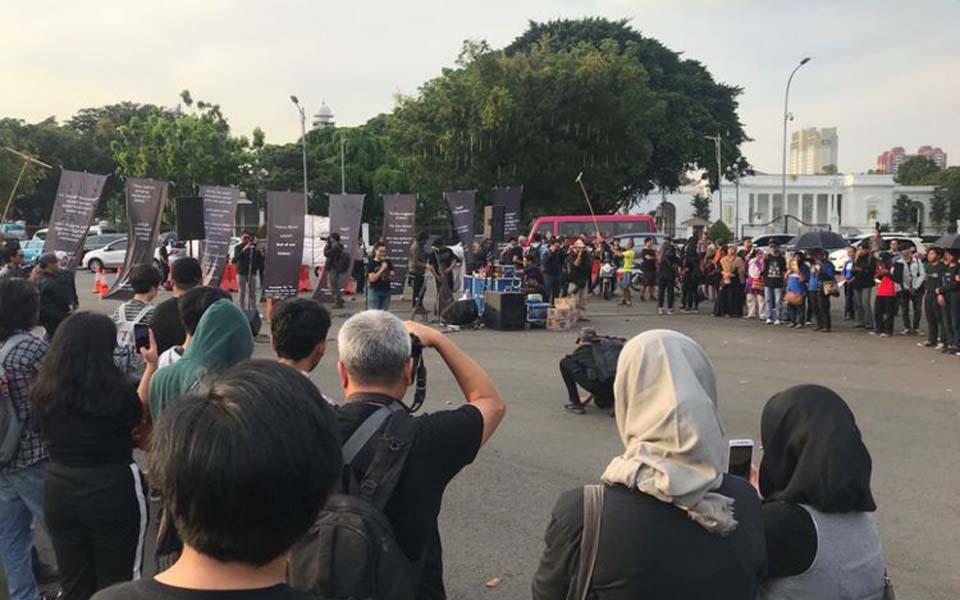 552th Thursday action in front of Presidental Palace - September 6, 2018 (Kompas)