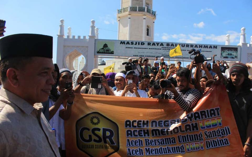 Aceh Governor Irwandi Yusuf at anti-LGBT action (Kumparan)
