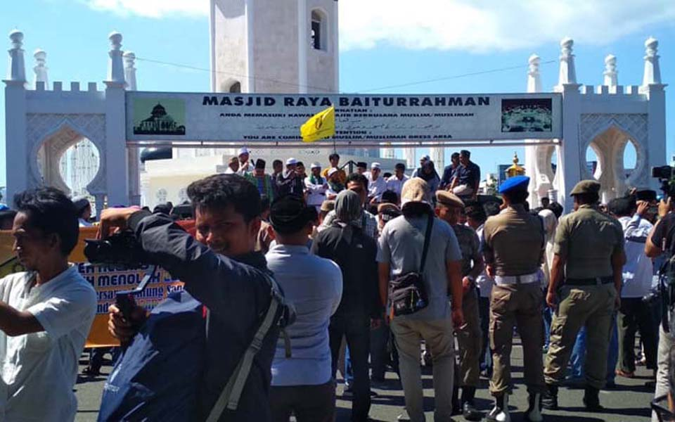 Anti-LGBT protest in Banda Aceh (Kumparan)